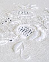 Obrusy haftowane ręcznie - hurtownia